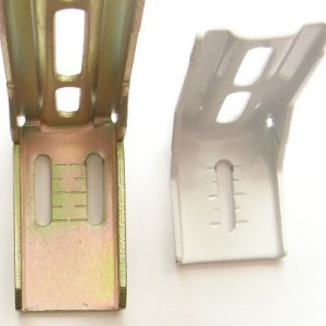 Uni-Q Brackets – Notice the graduations for easy on-the-spot height adjustment during installation. The left bracket is an end bracket. The right bracket is a centre bracket.